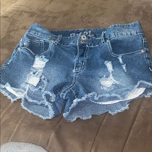 Short denim shorts with lace pockets!